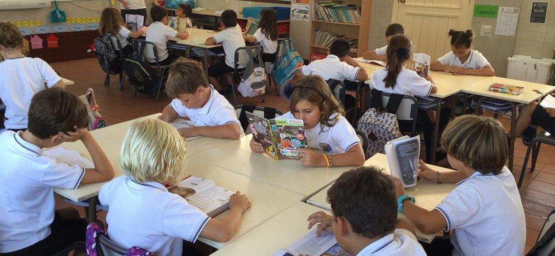 niños aulas
